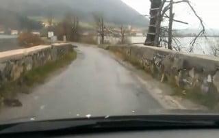 neprevozna cesta cez planinsko polje